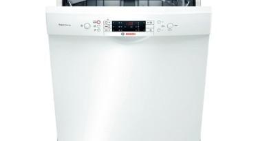opvaskemaskine med bestikbakke foroven