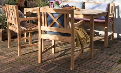havemøbler teak Havemøbler i teak – Derfor er teaktræ populært   Se tilbud havemøbler teak
